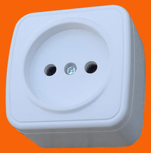 German Standard Wall Mounted Wall Socket Without Earth pictures & photos