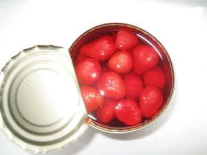 Delicious Sweet Canned Strawberry in Syrup pictures & photos
