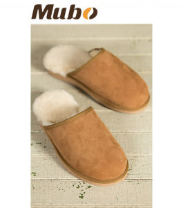 Handmade Winter Sheepskin Leather EVA Slipper for Men pictures & photos