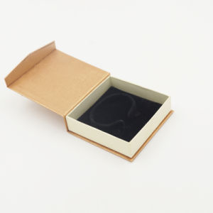 Italy Delicate Design Kraft Paper Packaging Box (J08-C1) pictures & photos