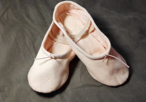 China High Grade Canvas Ballet Dance Shoes for Export - China Soft ... d18095202f96