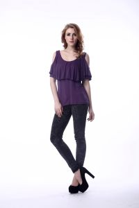 Female Purple Cold Shoulder Tops 95 Rayon 5 Spandex T-Shirt pictures & photos