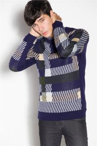 Custom Wool Round Neck Patterned Knitting Men Sweater pictures & photos