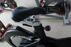Commercial Stationary Bike/ Spinning Bike with CE (BSE-04) pictures & photos