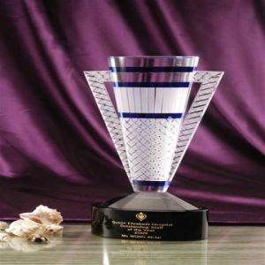 New Design Crystal Award with Sale Promotion Glass Shape Awards pictures & photos