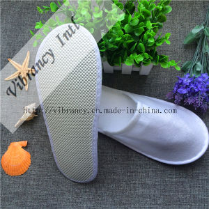New Design Disposable Travel Slippers /Hotel Slippers pictures & photos