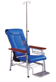 Metal Transfusion Chair with IV Pole and Footrest (SC-HF20) pictures & photos