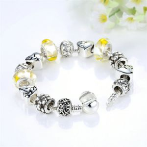 Delicate Charm Bracelet Yellow Glass Beads Round Snake Clasp Charms Bracelets pictures & photos