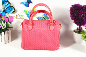 Hot Selling Korea Fashion Woven design PU Women′s Hand Bag pictures & photos