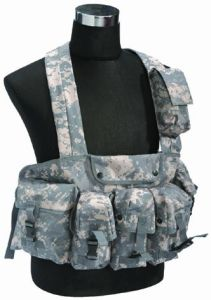 High Quality Military Hunting Camouflage Tactical Vest CB11128 pictures & photos