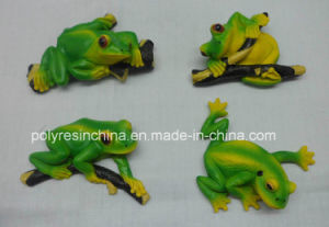 Polyresin Green Frog on Tree pictures & photos