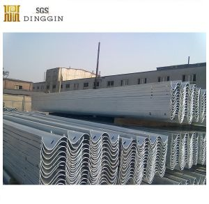 Q235 Material Guardrail Used at Road Side pictures & photos