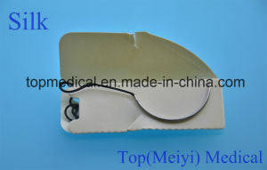 High Quality of Surgical Silk Sutures with Needle pictures & photos