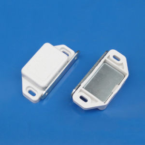White Color Big Size Standard Shutter Door Latch Magnetic Catch for 40 Series pictures & photos