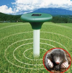 Solar Snake Repellent with Multi Pulse Outdoor Driven Rat pictures & photos
