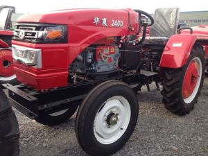 Weifang Huaxia Four Wheel Single Cylinder 24HP Farm Tractor at Cheap Price pictures & photos