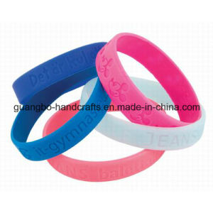 Custom a Fashion Bracelet Silicone pictures & photos