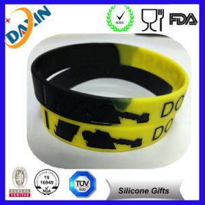 100% Non-Toxic OEM Merry Christmas Silicone Bracelets pictures & photos
