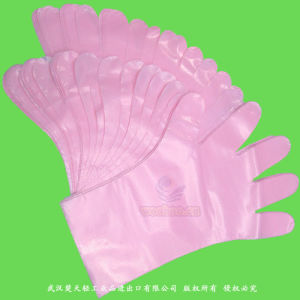 Disposable Polyethylene Gloves with Plain & Textured Surface pictures & photos