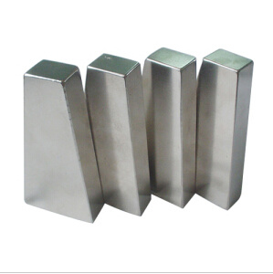 Sintered Neodymium Large Magnet (UNI-Large-magnet-oo9) pictures & photos