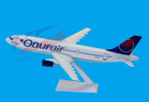 with Logo Scale 1: 200 A320 Plastic Material Model Plane (A300-600) pictures & photos