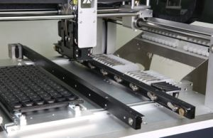 Auto Rails Pick and Place Machine with Vision System pictures & photos