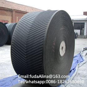 High Quality Steep Angle Chevron Rubber Conveyor Belt pictures & photos