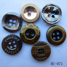 Metal Button with 4-Holes Garent Accessory Sewing Button pictures & photos