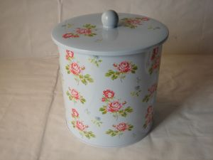 Round Tea Tin with Button Lid pictures & photos
