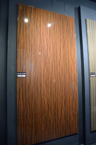 High Gloss UV MDF Board /UV MDF, 1220*2440mm Carb (ZH3941) pictures & photos