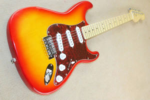 Hanhai Music/Cherry Sunburst St Style Electric Guitar with Maple Neck pictures & photos