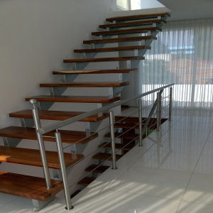 Glass Wood Staircase / Solid Wood Stair Case pictures & photos