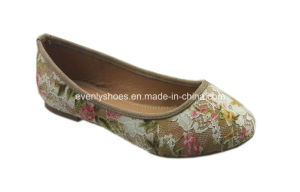 New Fashion Lady Flat Shoe with Flora Embroidery Upper pictures & photos