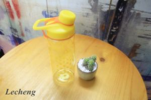 700ml Pourer with Holder Lovers′ Bottles Sports Water Bottle