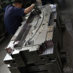 Big Plastic Injection Auto Part Mould