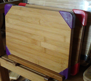 Anti-Skid Bamboo Chopping Cutting Board (HB-209) pictures & photos