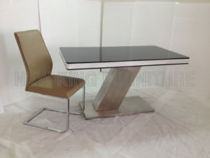 Modern Fashion Temper Glass Top Stainless Steel Foot Dining Furniture Set (NK-DT070)