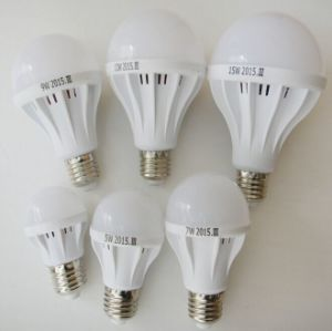 LED Bulb Light with Plastic Housing From 3W-15W pictures & photos