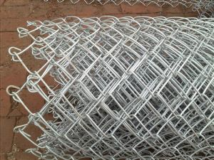 14 Gauge Best Prices Chain Link Fence Hot DIP Galvanized / Green PVC Coated pictures & photos