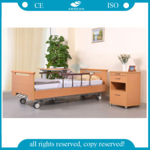 AG-Ws001 Metal Frame Wooden Frame Home Care 3 Crank Medical Bed pictures & photos