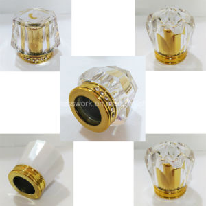 Acrylic Lid Cap Perfume Bottle pictures & photos