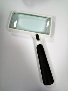 Rectangular Reading Magnifier and Loupes with UV and LED Lamp pictures & photos