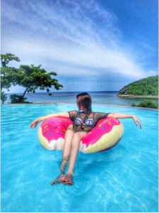 Inflatable Donut Pool Float Swimming Pool Floats, Air Mattress