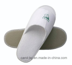Printed Logo Hotel Disposable Bedroom Slipper pictures & photos