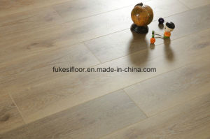 V Groove at Four Sides Painted Synchronized Grain Series Flooring pictures & photos