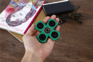 Relieve Stress Exclusive Design Quiet Smooth Quad Bar Plastic Fidget Hand Spinner Toys pictures & photos