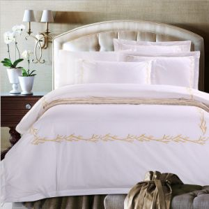 Cheap Promotional Egyptian Cotton Hotel Bedding Set (DPF1071408) pictures & photos