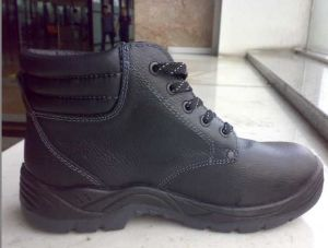 Middle Cut Low Cost Anti-Static Black Safety Shoes pictures & photos