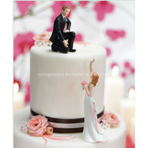 Groom Lending a Hand Wedding Cake Topper Figurine pictures & photos