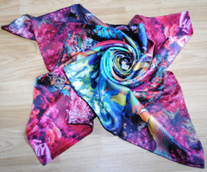 OEM Design Bright-Coloured Silk Scarf pictures & photos